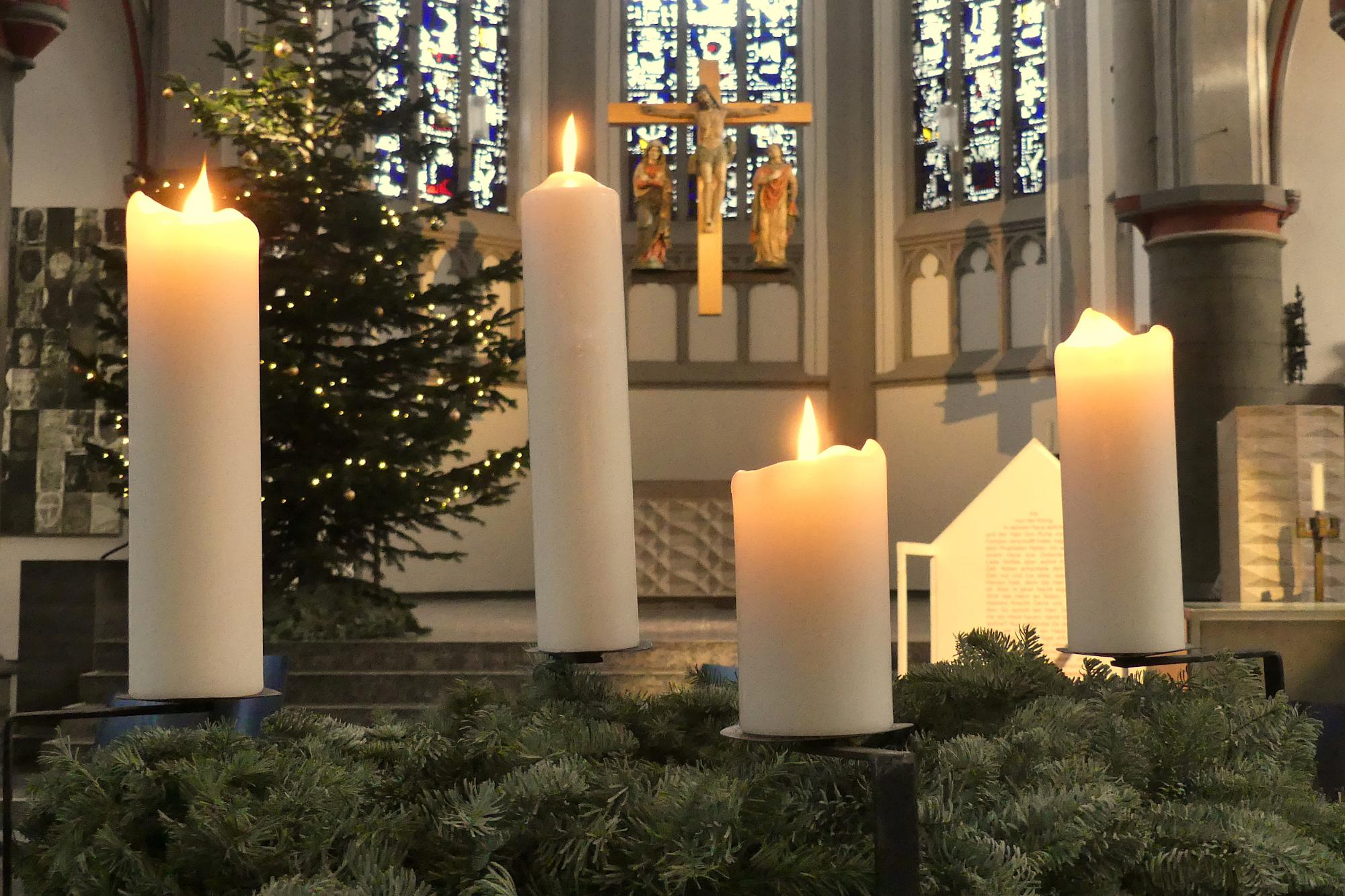 2020_12_Adventskranz 4.Advent (c) J. Barrawasser